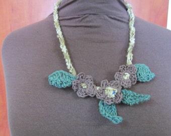 Handmade Crochet flower necklace Cream/brown