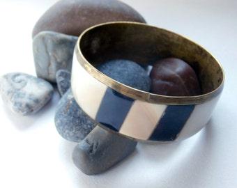 Brass Bangle - Mother of Pearl Inlay - Vintage Bracelet - Bangle Bracelet