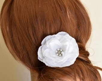 Floral Headpiece, wedding hair flower, bridal headpiece, bridal hair flower, white hair flower, white bridal flower, white fascinator