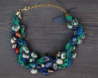 Emerald green Braided Necklace, handmaded bead necklace, Fabric Necklace, Braided Textile Necklace, red beaded braided necklace