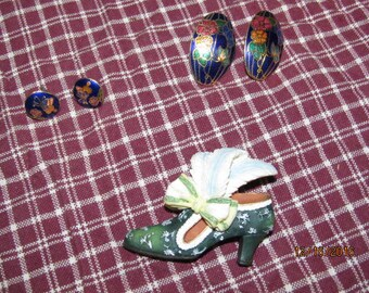 Vintage 2 Pair Enamel Cloisonne Pierced Earrings & Artisian Flair Shoe Brooch
