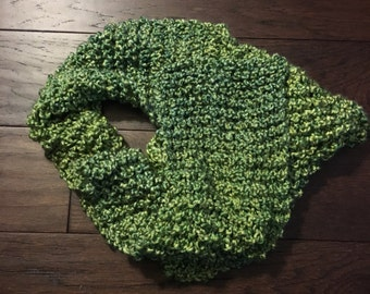 Hand knit scarf, green, 6