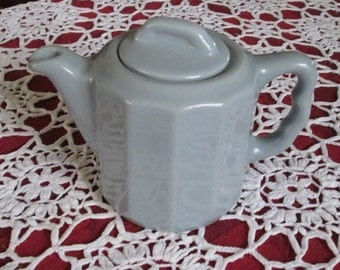 Syracuse China 2 Cup Teapot