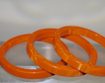 Vintage Bakelite Bangles Set of 3 Vibrant Tangerine Marbled Sliced Bracelets