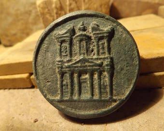 Petra-Jordan-amulet-of-the-Treasury-building-Kazneh-Nabatean-culture