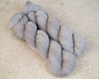 Hand dyed natural Baby Alpaca and Merino yarn - 4ply - 100 grams - 400m/437 yards - Parchment
