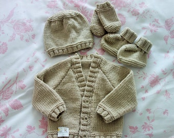 """Hand knitted in 100% pure Merino wool baby boy or girl's cardigan, beanie hat, mittens and bootees to fit approx 0-3 months or 18-20"""" reborn"""