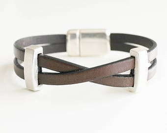 MENS LEATHER BRACELET. Men cuff bracelet. Bracelet for men, men jewelry, brown bracelet, brown leather, bracelet beaded. Gift idea. Men.