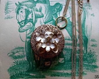 Golden Flower-Rouge Pot Necklace