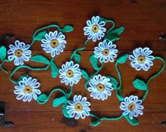 Crochet Daisy Chain Garland