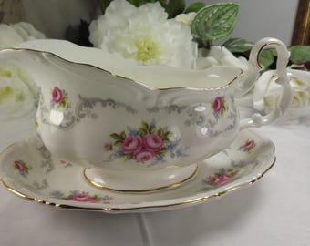 """Royal Albert """" Tranquillity"""" Gravy Boat and Saucer , Vintage , Large"""