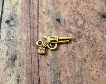 8 Gun charms 3D antique gold tone - gold gun pendants, pistol charms, revolver charms, handgun charms, weapon charms, police charms, V7