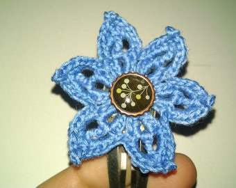 Blue flower snap clip