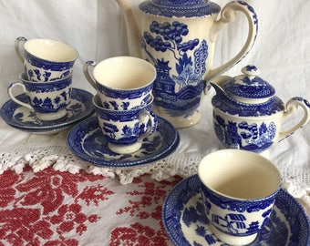 """Vintage Blue Willow 7 1/4"""" Coffee Pot, Creamer, and 5 Cups and Saucers; Made in Japan"""