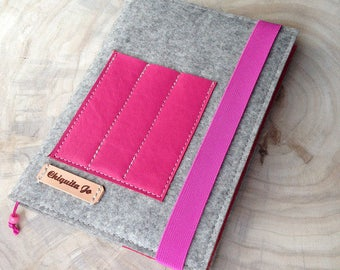 Calendar book cover from wool felt & leather · GREY/PINK