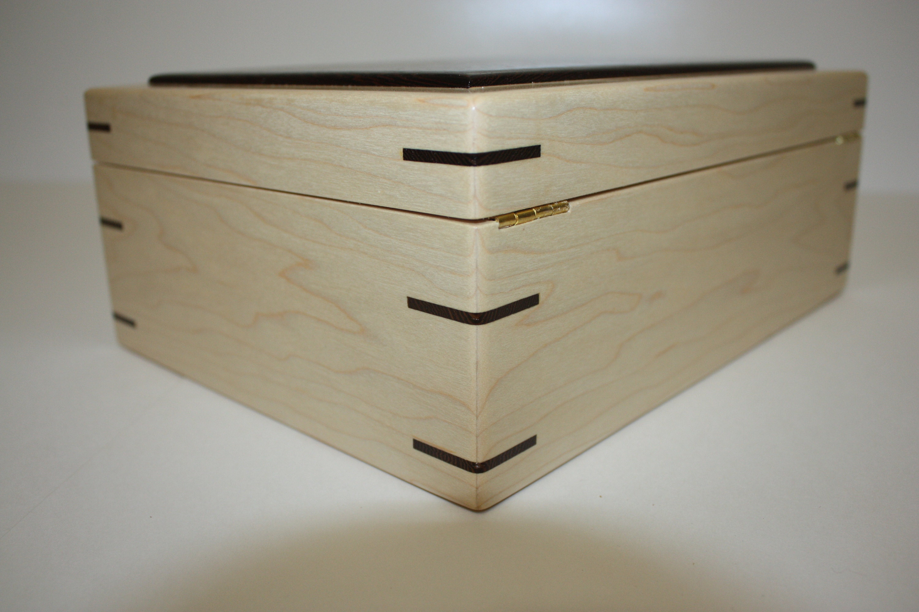 Maple Box with hinged Lid