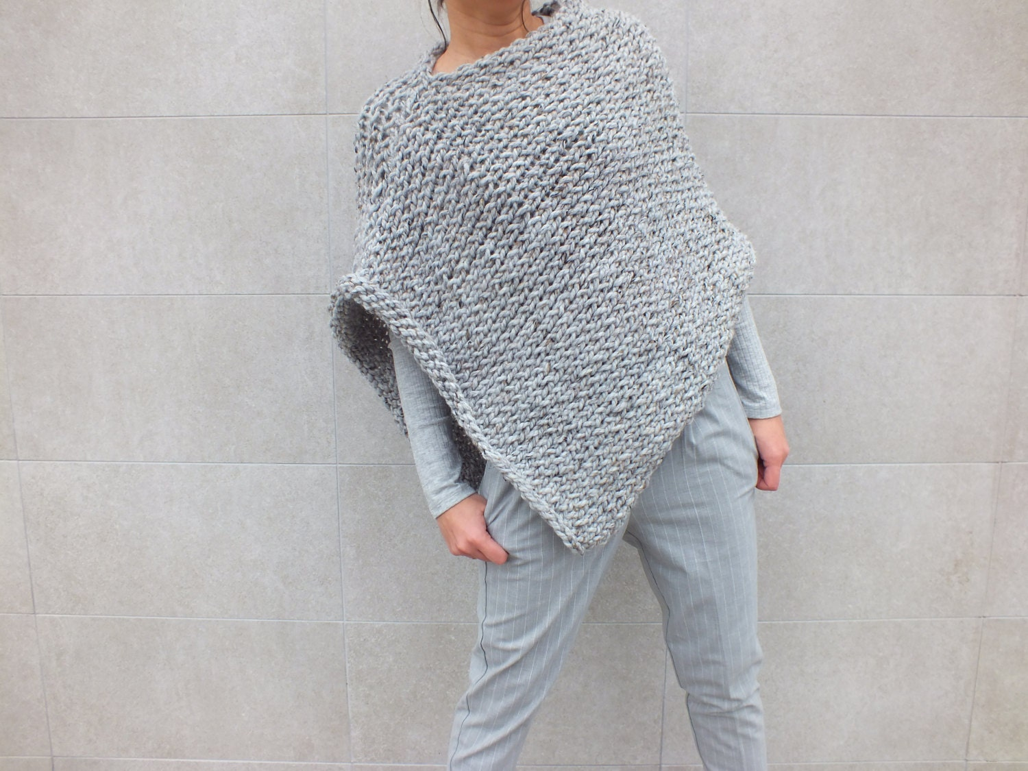 Beginner Knitting Poncho : Pattern poncho easy to knit beginner