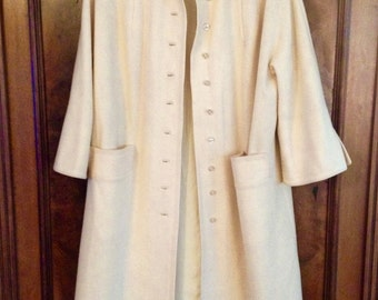 SALE!!! mid-century vintage cream wool coat, holiday gift, pristine condition wool coat, gift for her,  50s, 60s coat, jackie kennedy