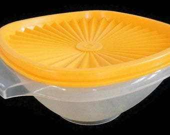 """Vintage Tupperware 6"""" Servalier Bowl with Lid -sheer, yellow- 840, 841, kitchenware, retro,kitchen storage,pantry, square,leftover container"""
