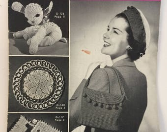 Crochet Ideas for Gifts Instruction Pattern Book 255 Clark's J.P. Coats, Pill Box Hat, Toys,Pot Holders,Doilies,Hanger Covers,Curtain Pulls