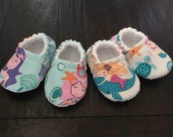 Mermaid baby booties // Mermaid crib shoes