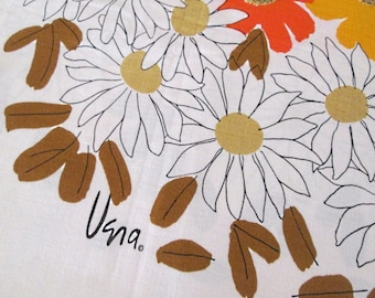 Vibrant Vera tablecloth loads of flowers and color vintage daisies mums