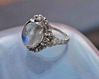 Fantastic Belle Epoch Moonstone Feldspar Ring size M1/2 (6.5)