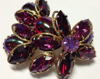 Vintage Red Iridescent Cabochon Glass w Pink & Red Marquis Rhinestone Pin Juliana