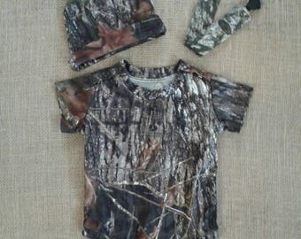 NEW ! Camo Newborn to 3 months 3 pc set onsie hat & pacifier set.10 camo colors to choose from below