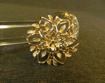 """Vintage Signed Sarah Coventry Gold Tone Flower Pin/ Brooch 1-3/4"""""""
