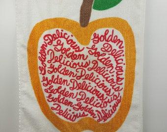 Vintage 1977 kitchen towel Perla Meyers for Martex golden delicious apple design