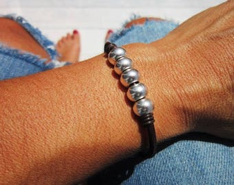 simple bracelet, womens bracelets, leather Bracelets, beaded Bracelets, silver bracelets, boho bracelet, bead bracelet, Bohemian jewelry