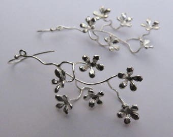 Fine eardops with flowers - silver