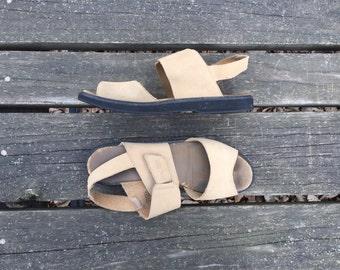 Sandals - Size 9 Khaki Leather Strappy Shoes Hippie Boho Open Toe Flats Keds Womens