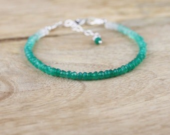 Shaded Green Onyx Beaded Bracelet. Dainty Ombre Gemstone Stacking Bracelet in Sterling Silver or Gold Filled. Semi Precious Jewellery