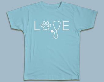 LOVE Custom Veterinary or Vet Tech T-shirt Great Graduation Gift! #Vet