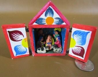 Tiny Guatemala nativity scene