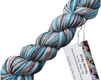 Slinky Malinky SUPERWASH MERINO TENCEL Blend Wool Sock Yarn for Knitting Weaving Crochet. Self Striping Hand Dyed by Living Dreams, Lagoon
