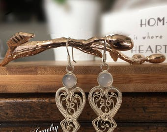 Silver filigree earrings with chalcedony stone