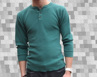 Men's SMALL Thermal Henley Shirt / Faded Dark Green Waffle Knit Undershirt / 90s Grunge