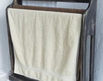 Wooden Towel Rack - Free Standing - 4 Bars - 27 inch / 700mm Bath Towels