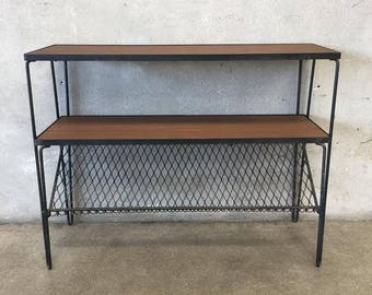 Vintage Mid Century Iron & Wood Shelving Unit (F4W86F)