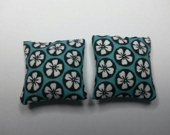 Modern Dollhouse Cushions Pillows 1:12