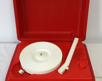 Realistic Vintage Portable Record Player - Works!