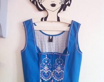 70s blue trachten dirndl oktoberfest dress, floral embroideries / small