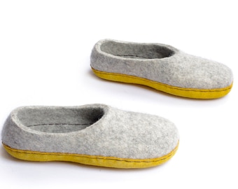 Felted slippers- boiled wool slippers- winter slippers- felt clogs- gift for her- grey wool slippers- wool slippers