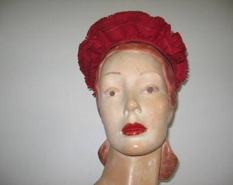 1940's Red Felted Wool Ruffle Front Turban!