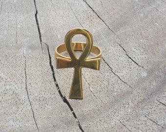 Vintage 18k Gold Egyptian Ankh, Key of Life Ring Size 5.5