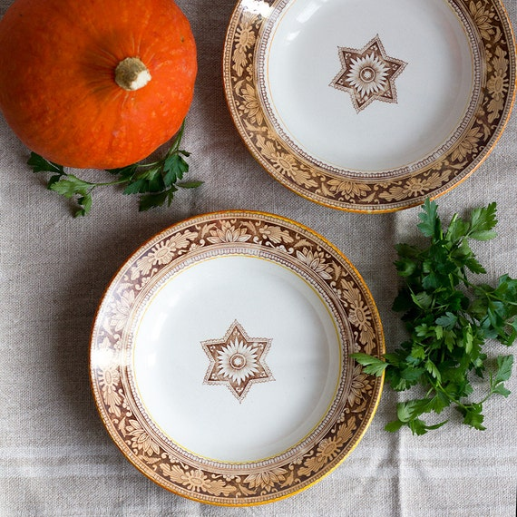 Star & Bloom Lusterware Soup Plates