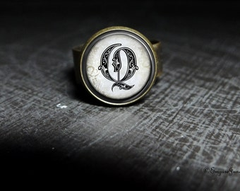 Vintage Style Hollywood Glass Ring - Initial Q Old Hollywood Jewelry - Hollywood Inspired Adjustable Ring Elegant Glam - Glamorous Jewelry